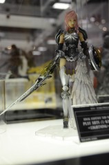 Lighning_FFXIII-2_Play_Arts_KAI.jpg